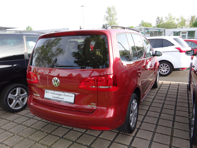 VW Touran Wild Cherry Red - Farben VW Touran