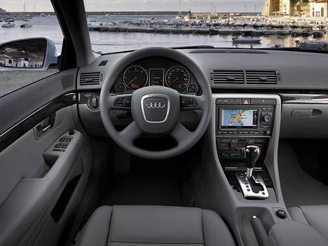Foto Bild Audi A4 Avant Cockpit Angurten De