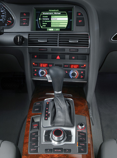 Foto (Bild): Audi A6, Mittelkonsole (angurten.de)