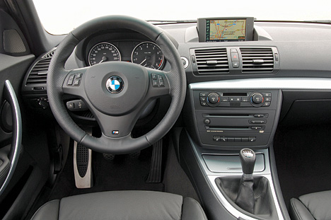 foto bild cockpit der bmw 1er reihe. Black Bedroom Furniture Sets. Home Design Ideas