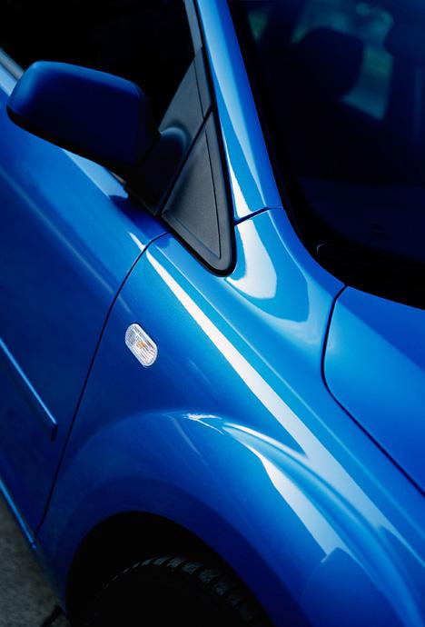 foto bild ford focus detail in blue au enspiegel. Black Bedroom Furniture Sets. Home Design Ideas