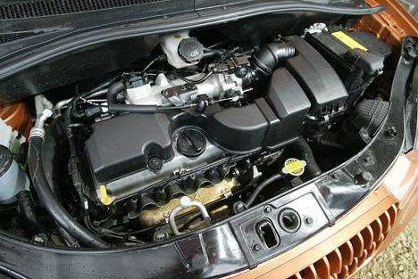 Foto Bild Kia Picanto Motor Und Motorraum Angurten De