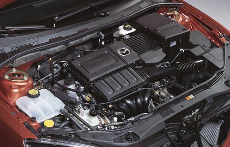 Foto Bild Mazda 3 Motorraum Angurten De