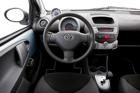 foto bild toyota aygo cockpit. Black Bedroom Furniture Sets. Home Design Ideas