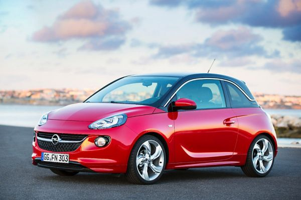 opel adam co hei er jahresauftakt bei den opel partnern h ndler heizen dem winter ein und. Black Bedroom Furniture Sets. Home Design Ideas